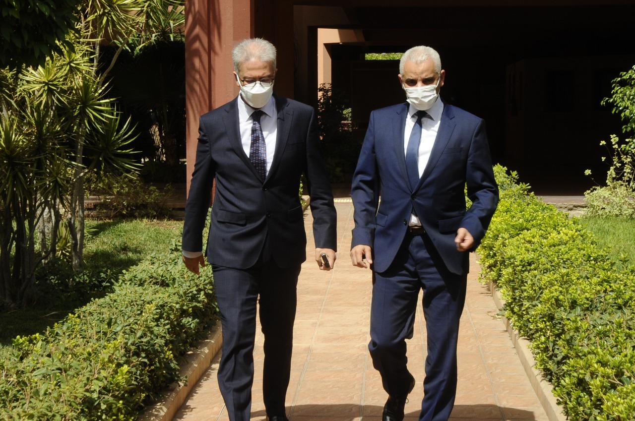 وزير الصحة ووالي جهة مراكش يتدارسان تطورات الوضعية الوبائية وسير الحملة الوطنية للتلقيح ضد كوفيد-19 على مستوى الجهة.